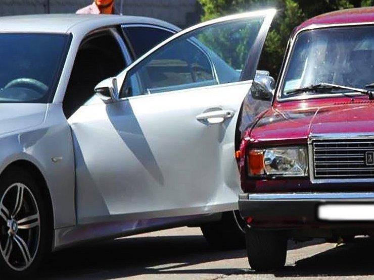 Что делать, если машину поцарапали во дворе и уехали