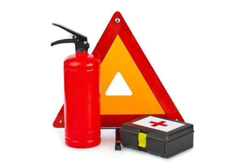 Законно ли то, если инспектор ГИБДД просит показать аптечку и огнетушитель