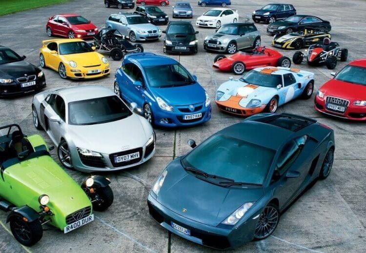 Автомобили разных цветов