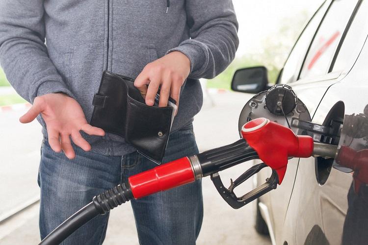Бензин и пустой бумажник