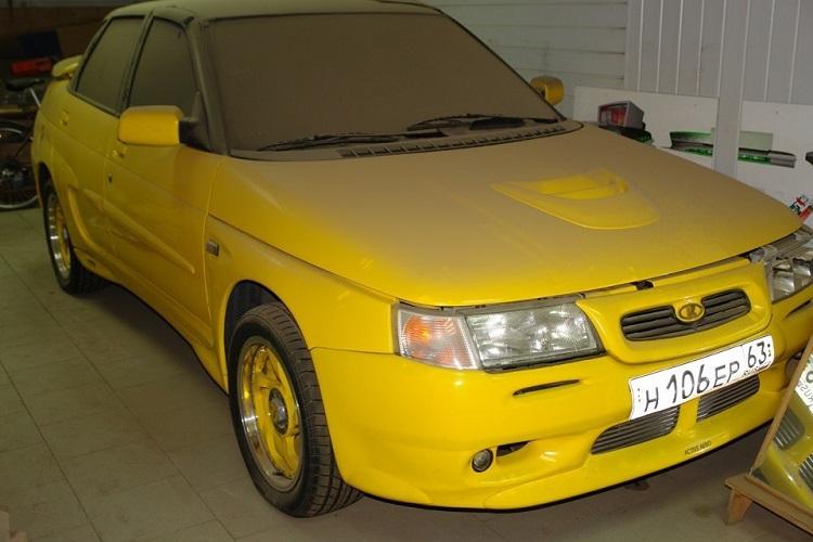 Автомобиль Желтая акула