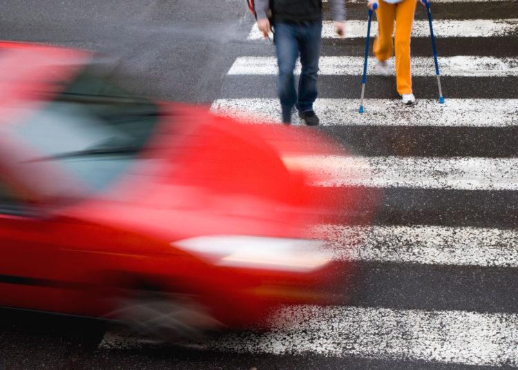 Нарушение ПДД на пешеходном переходе