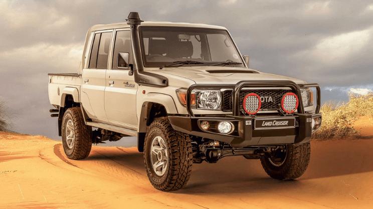 Toyota Land Cruiser Namib спереди