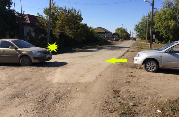 Машины напротив поперек дороги