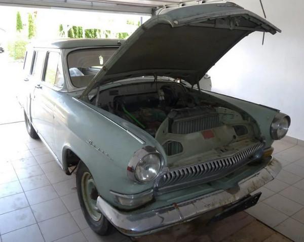Старый ГАЗ-22