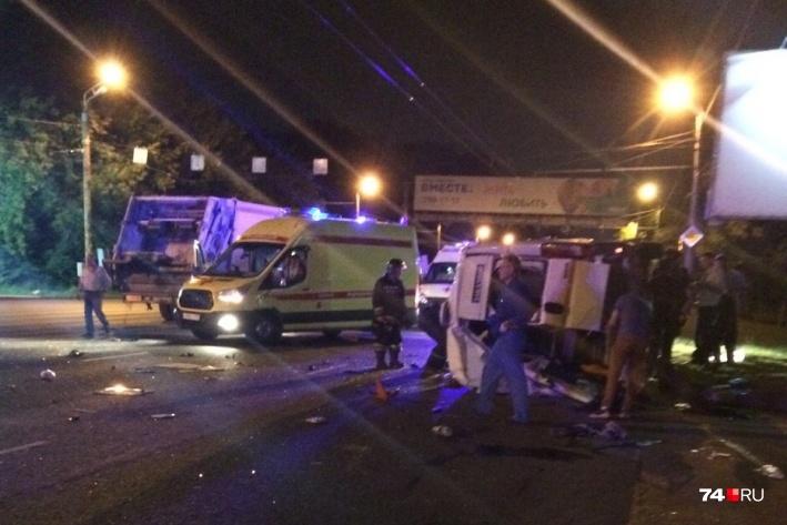 Авария с мусоровозом в Челябинске