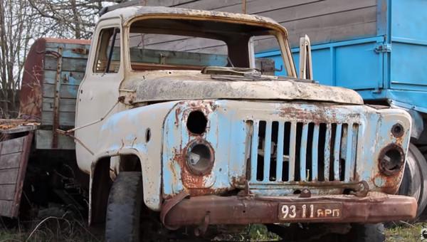 Убитый ГАЗ-53