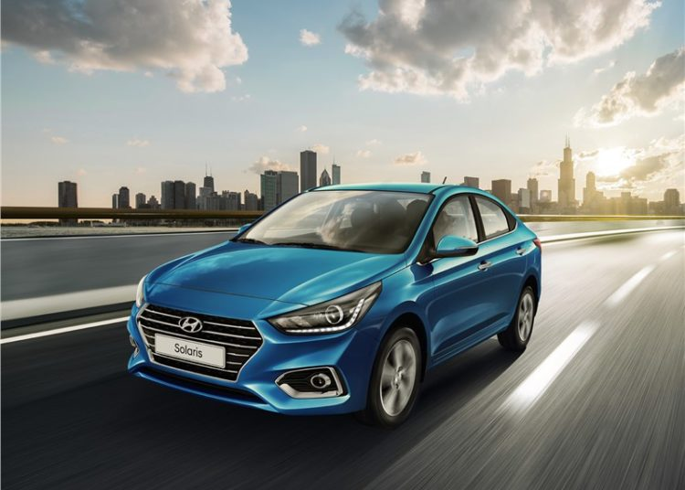 Синий Hyundai Solaris
