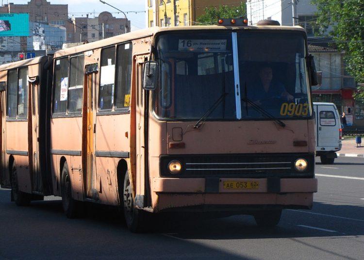Пассажирский городской автобус Икарус