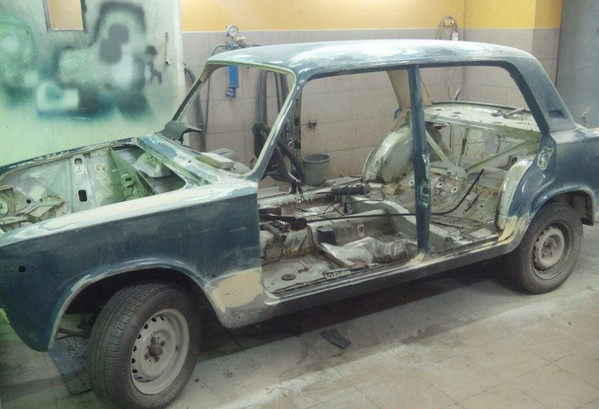 Кузов старого ВАЗа до ремонта