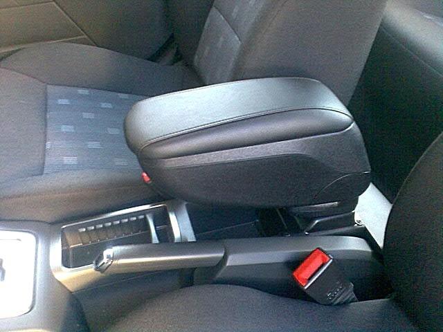 передние сиденья авто