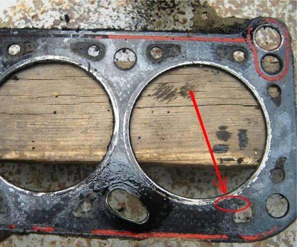 Пробитые прокладки мотора