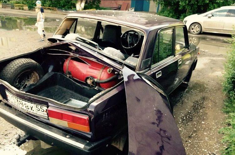 Взорвался баллон с газом в авто