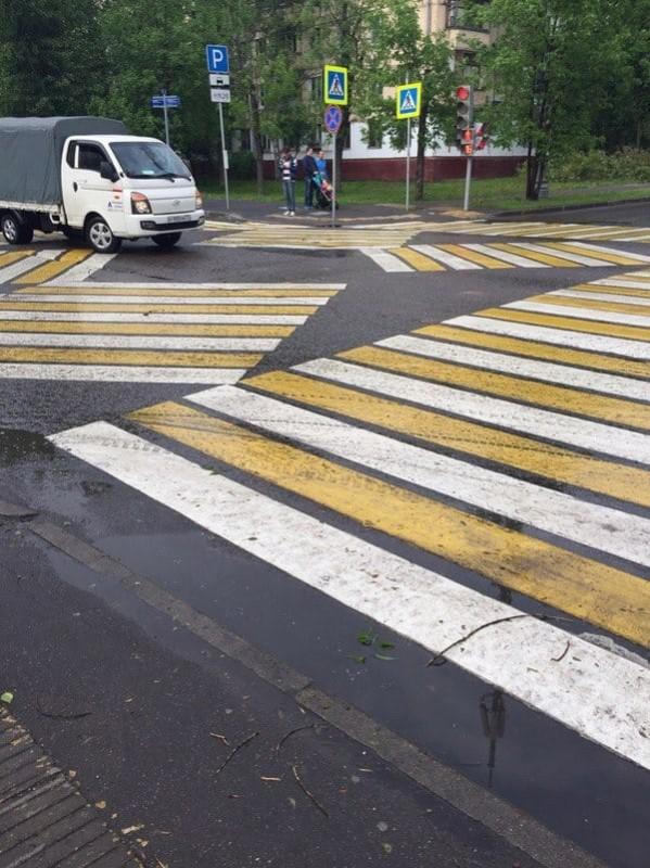 Разметки зебры на перекрестке
