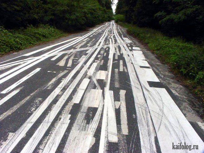 Белая дорога от разметки