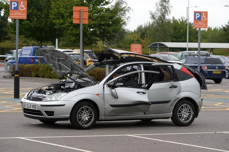 Машина после взрыва баллончика