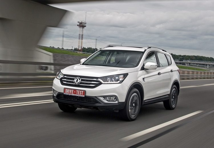 Белый DongFeng AX7