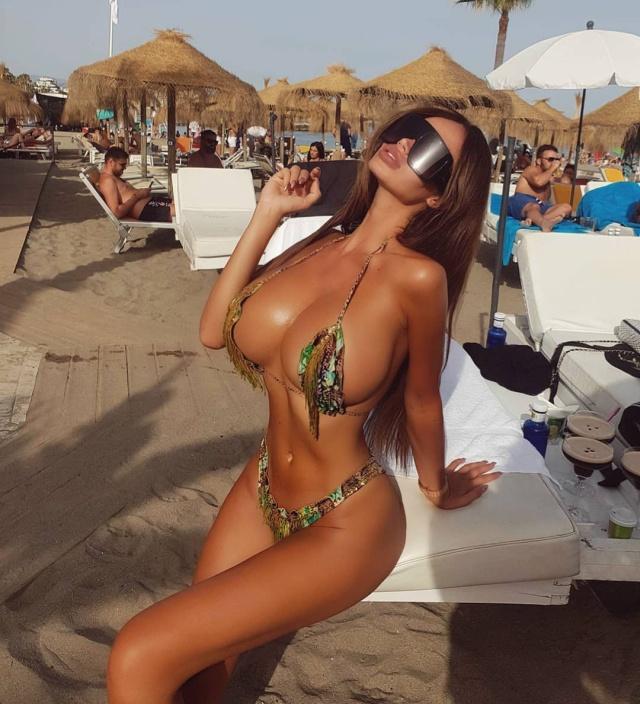 Сорайя Вучелич в купальнике