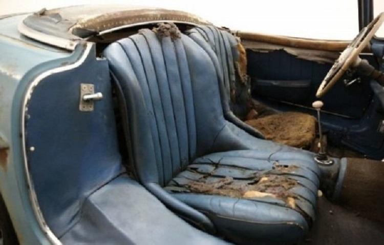 Убитые сидения суперкара