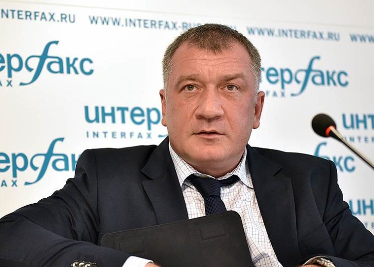 Депутат Владимир Петров