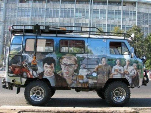УАЗ с изображением из Кавказской пленницы