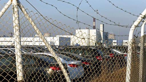 Завод АвтоВАЗ и забор