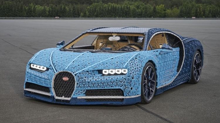 Bugatti Chiron из конструктора