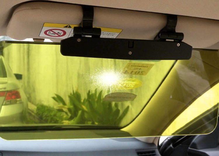 Козырек от солнца в авто