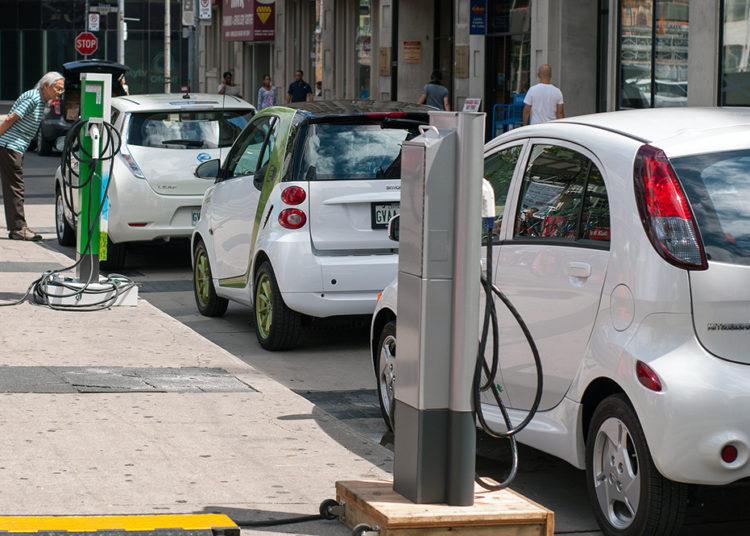 Электромобили и зарядные устройства