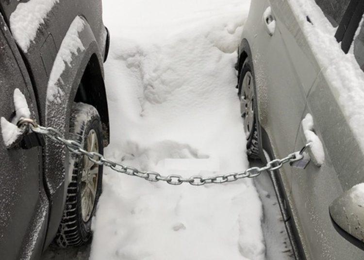 Машины соединены цепью
