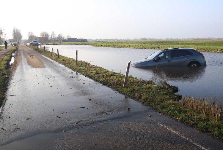 Ауди RS Q8 в реке в Нидерландах