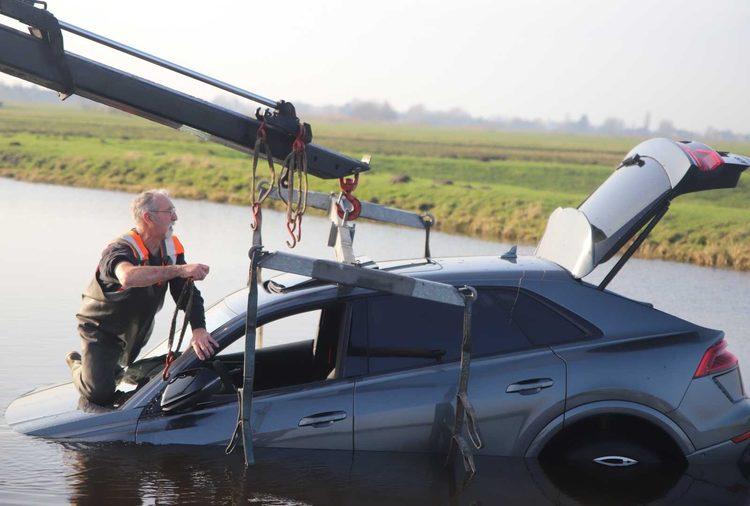 Утонувший Audi RS Q8