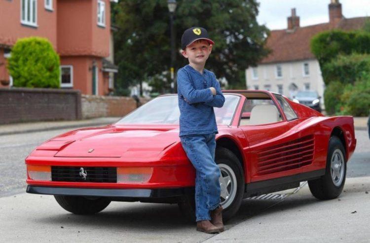 Ferrari Testarossa Juniorдля ребенка