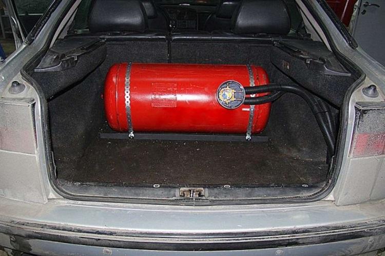 Баллон с метаном в авто