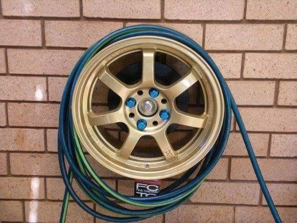 Шланг на диске от колеса