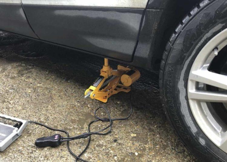 Электродомкрат для авто