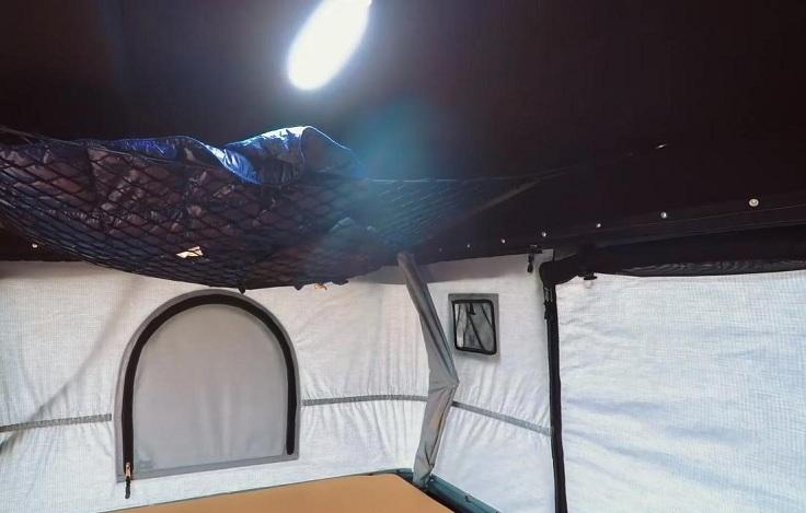 Палатка для авто внутри