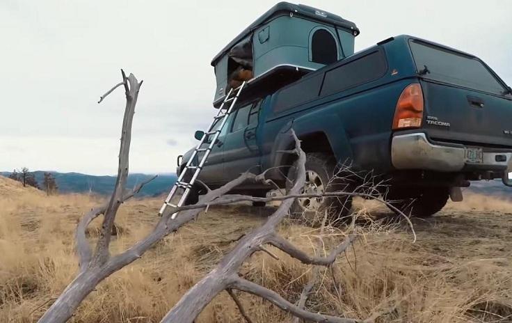 Палатка на крыше авто