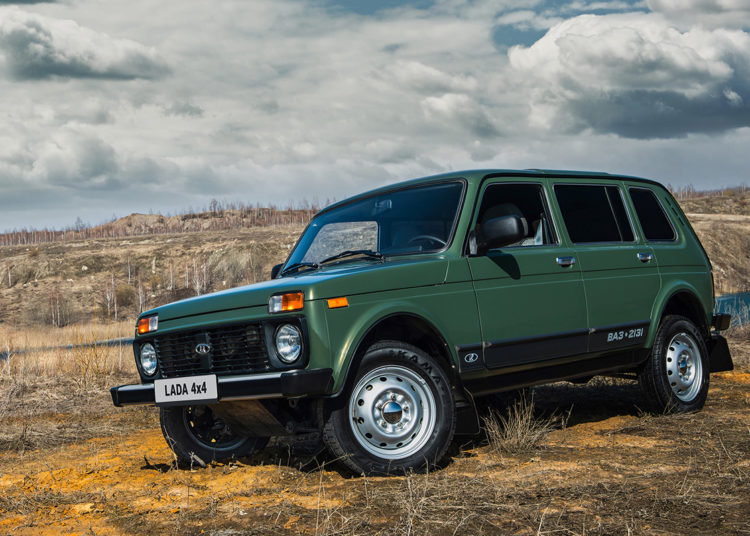 Зеленая Lada 4x4