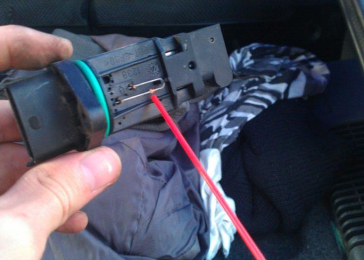 Температурный сенсор датчика авто