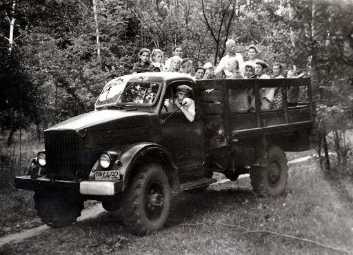 ГАЗ-63 и люди в кузове