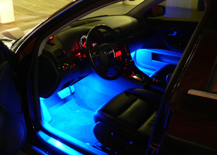 Подсветка пола авто