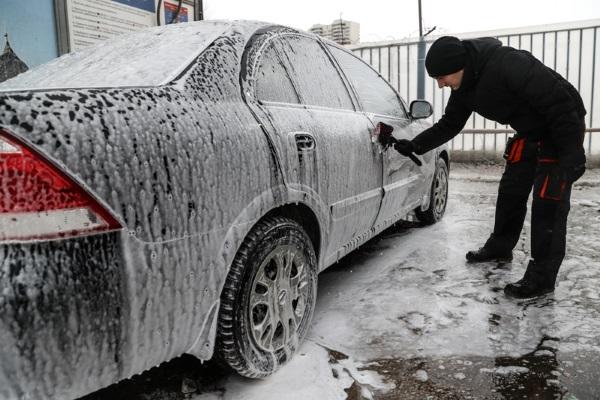 Мытье машины в холод