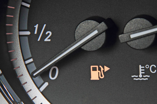 Бензин почти на нуле