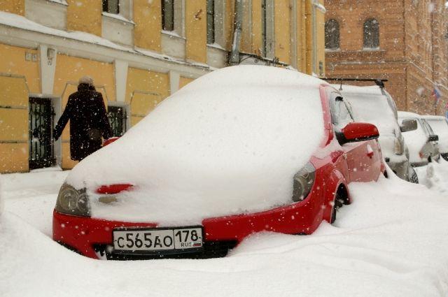 Автомобиль под снегом