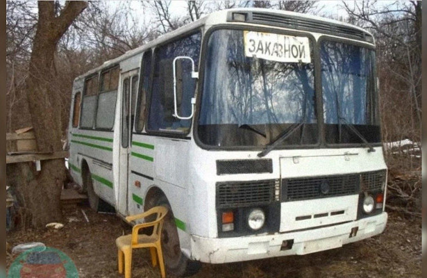 Старый автобус ПАЗ