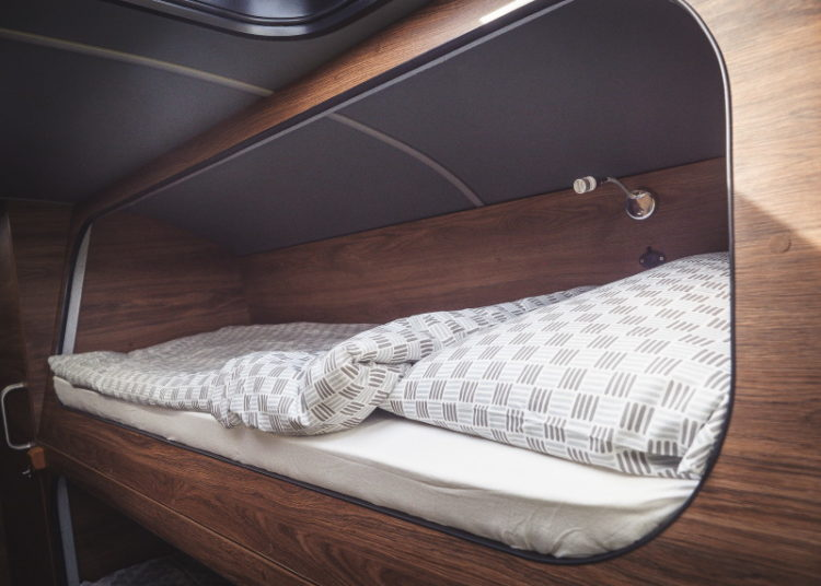 Кровать в автодоме ПАЗ