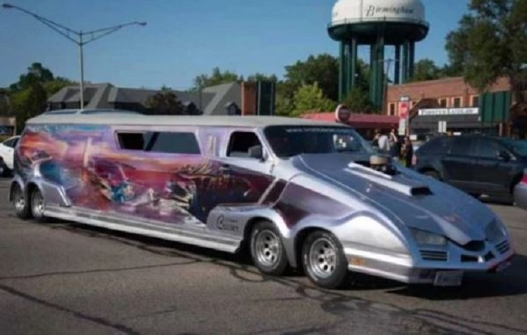 Космический лимузин на 600 лошадиных сил
