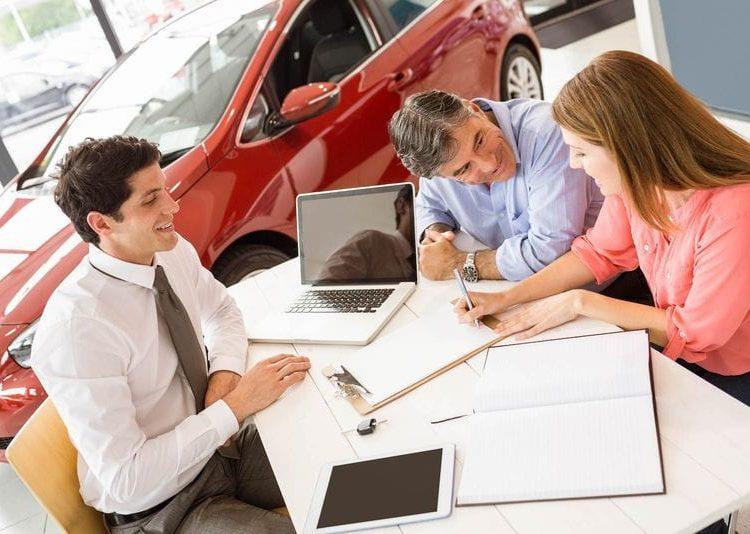 Сделка продажи авто в салоне