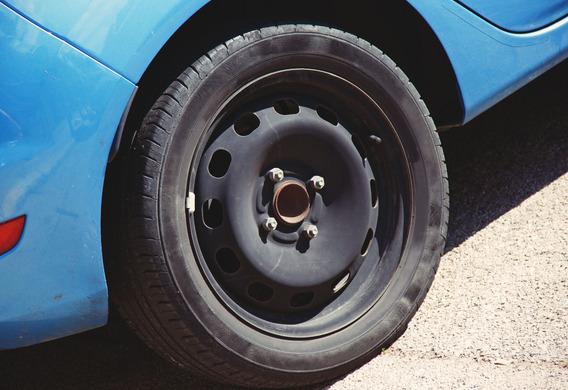 Перекошенное колесо авто